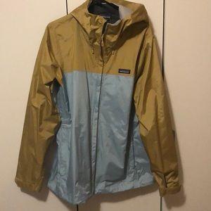 "New Patagonia ""torrentshell"" rain jacket"
